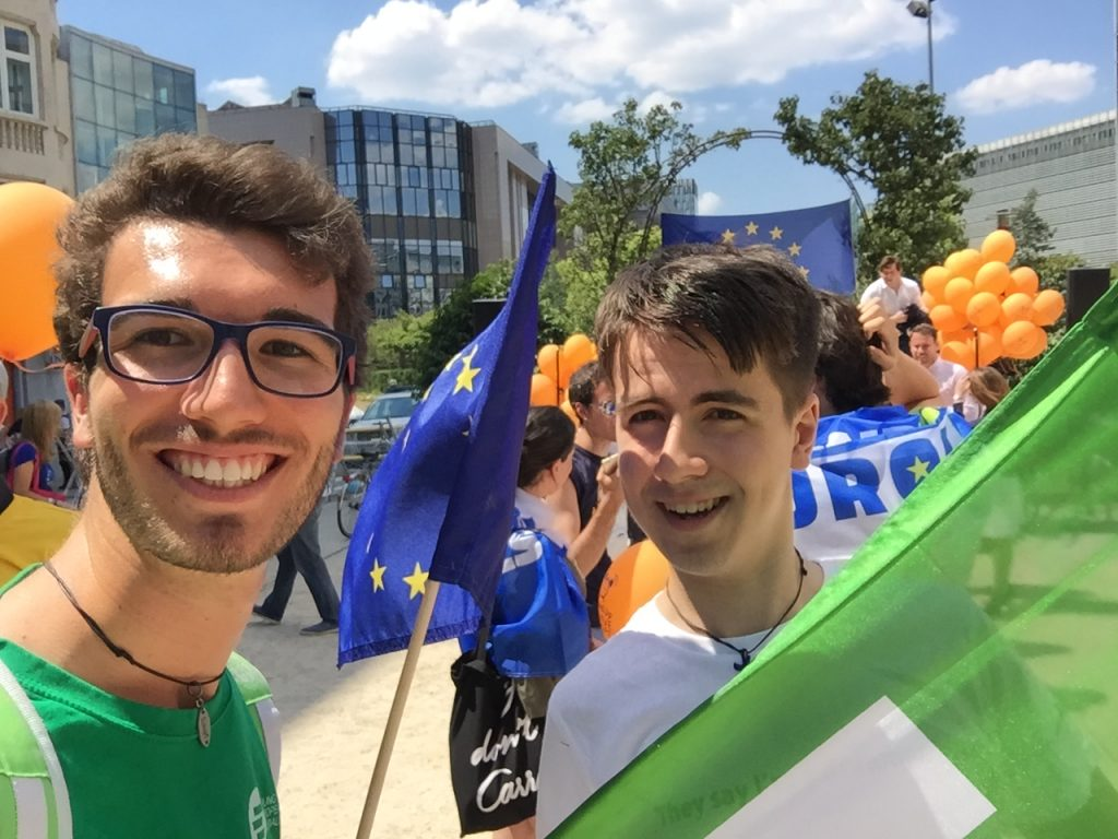 #wakEUp - Maastricht's JEFers join demonstration in Brussels 1